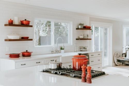 5 améliorations faciles de la cuisine que vous pouvez faire ce week-end