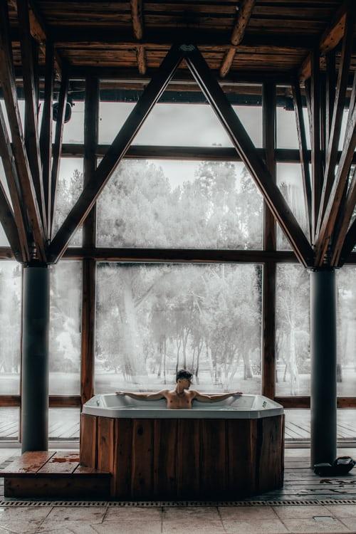 Les spas sont la tendance la plus en vogue dans la conception des salles de bains